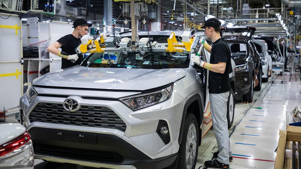 Новый Toyota RAV4 официально стал питерским