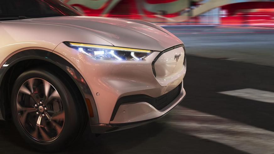 Ford Mustang стал электрическим кроссовером