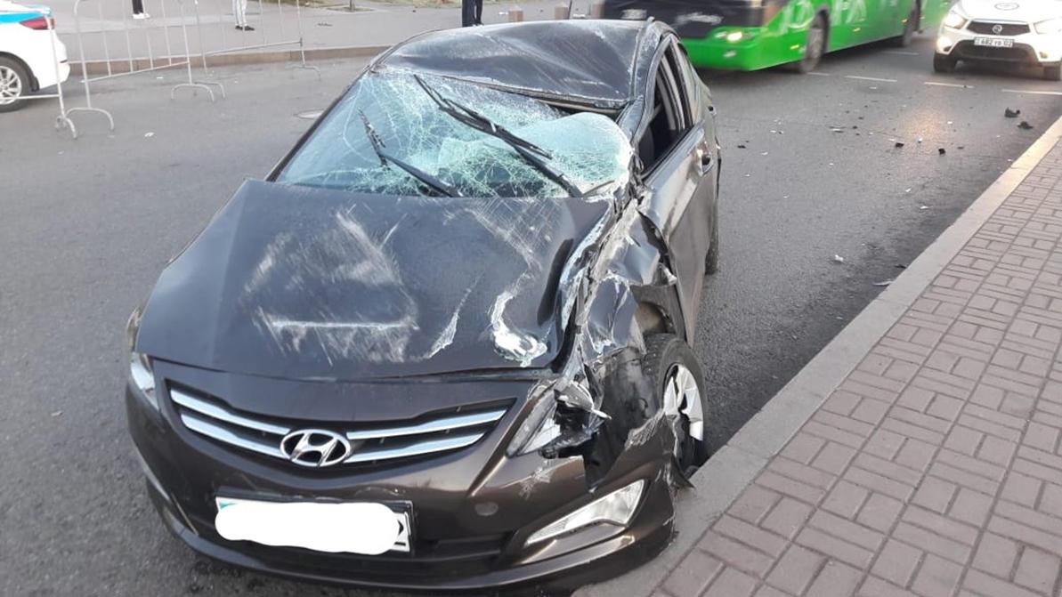 Нетрезвая женщина уснула за рулём и сбила пешехода