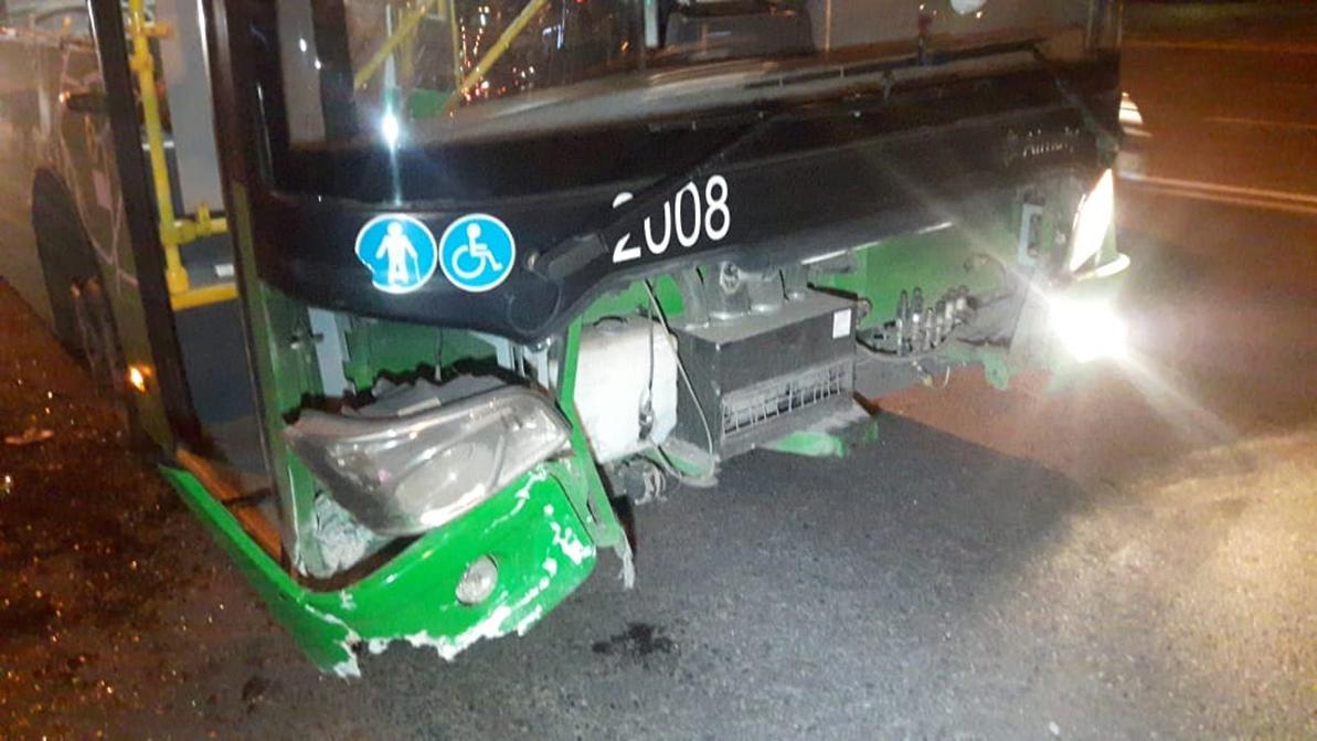 Двое пострадали в ДТП с автобусом в Алматы