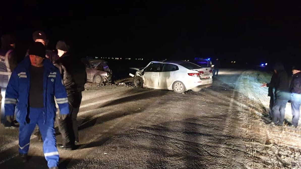 Два человека погибли в лобовом столкновении в Павлодарской области