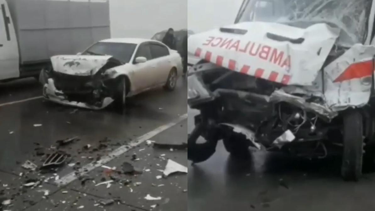 14 машин столкнулись на обледеневшей трассе в Жамбылской области