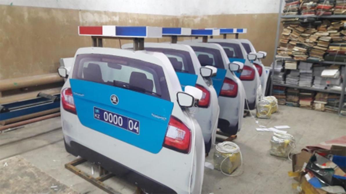 Макеты патрульных авто появились на трассах Актюбинской области