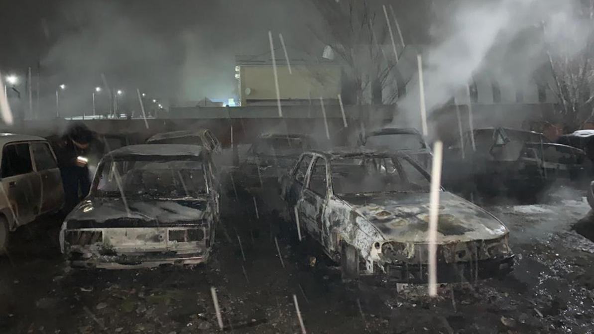 Восемь машин сжёг на штрафстоянке житель Сайрамского района
