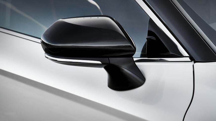 Toyota Camry одели в «спортивку»