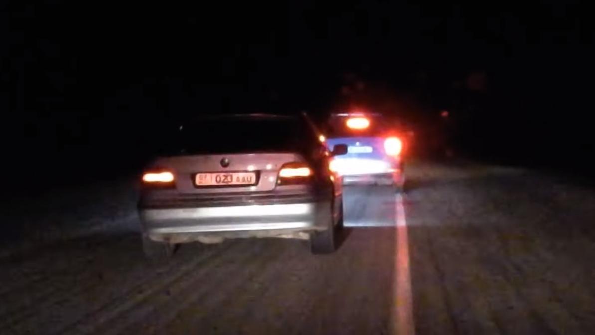 Стрельбой по колёсам пришлось останавливать пьяного водителя в Жамбылской области