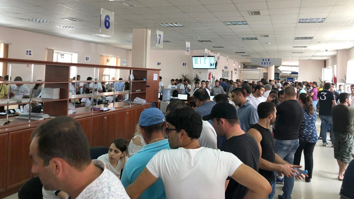 В Армении усилили контроль за регистрацией авто на иностранцев