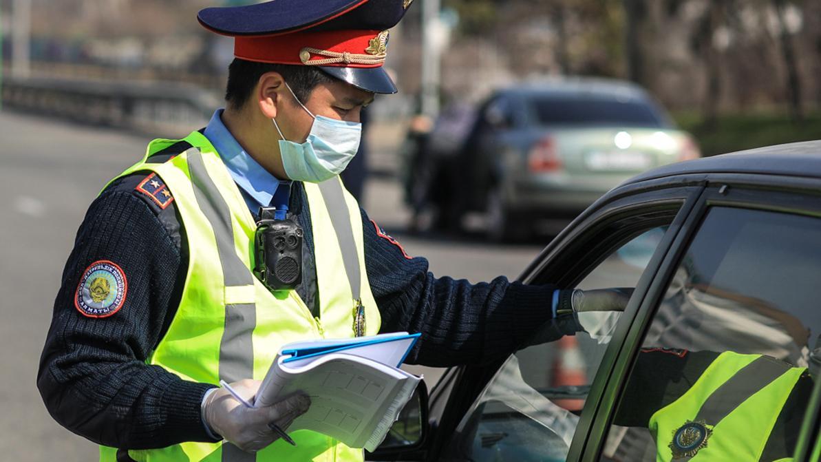 Выезжать в супермаркет в случае острой необходимости на автомобиле в Алматы не запрещено