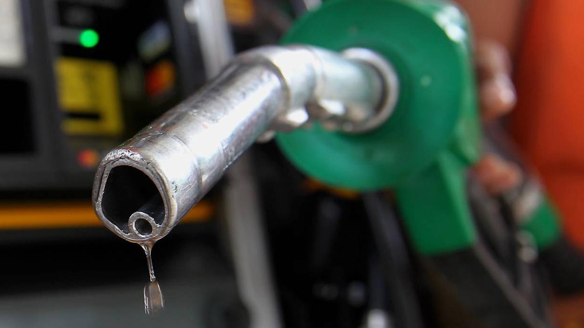 Спрос на топливо заметно снизился в Казахстане