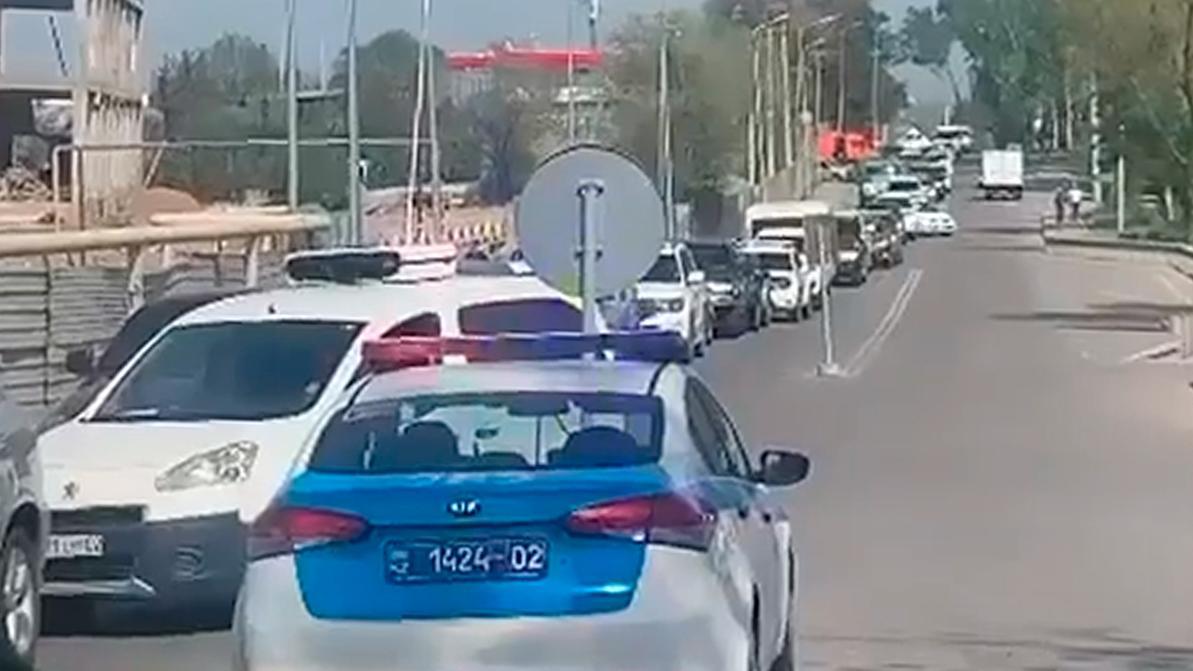 На выездах из Алматы пробки