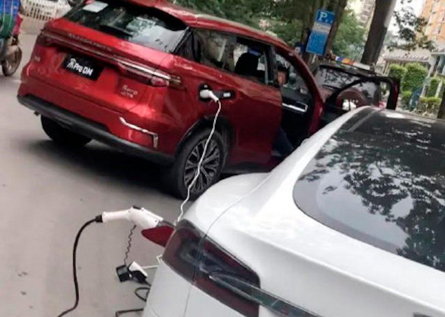 Можно ли прикурить электромобилем другой электромобиль?