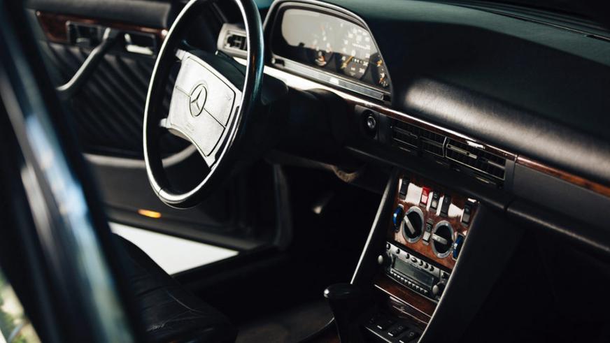 Уникальный универсал Mercedes-Benz выставили на продажу
