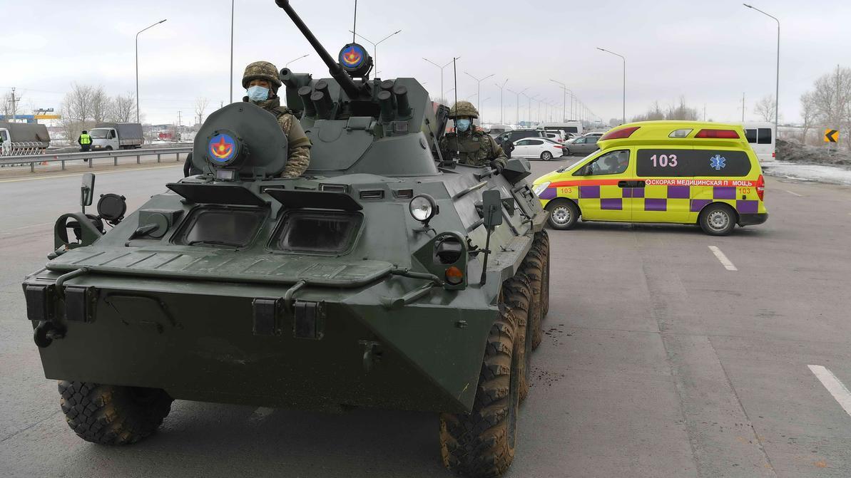 Военных и армейскую технику убирают с блокпостов