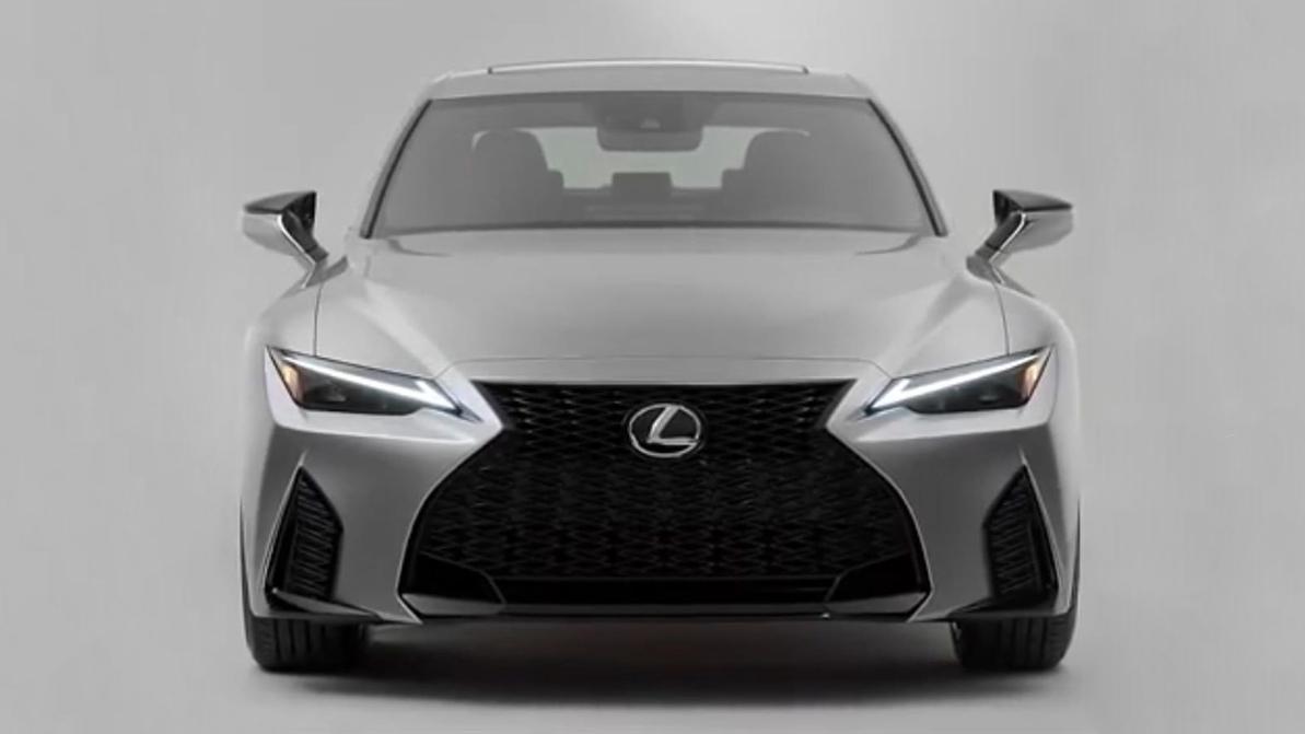 Внешность Lexus IS раскрыли до премьеры
