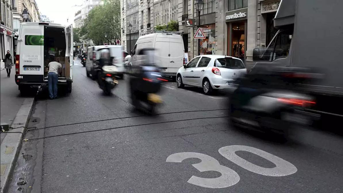 Парижский лимит: в городе не более 30 км/ч