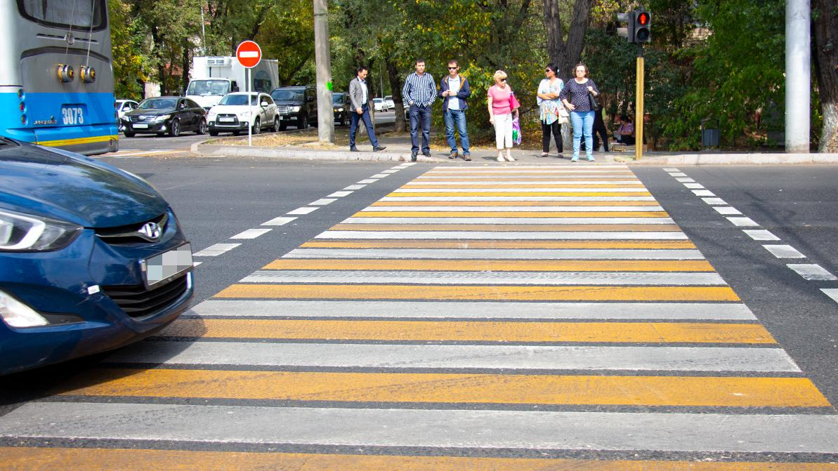 Опасной признали жёлто-белую разметку на пешеходных переходах