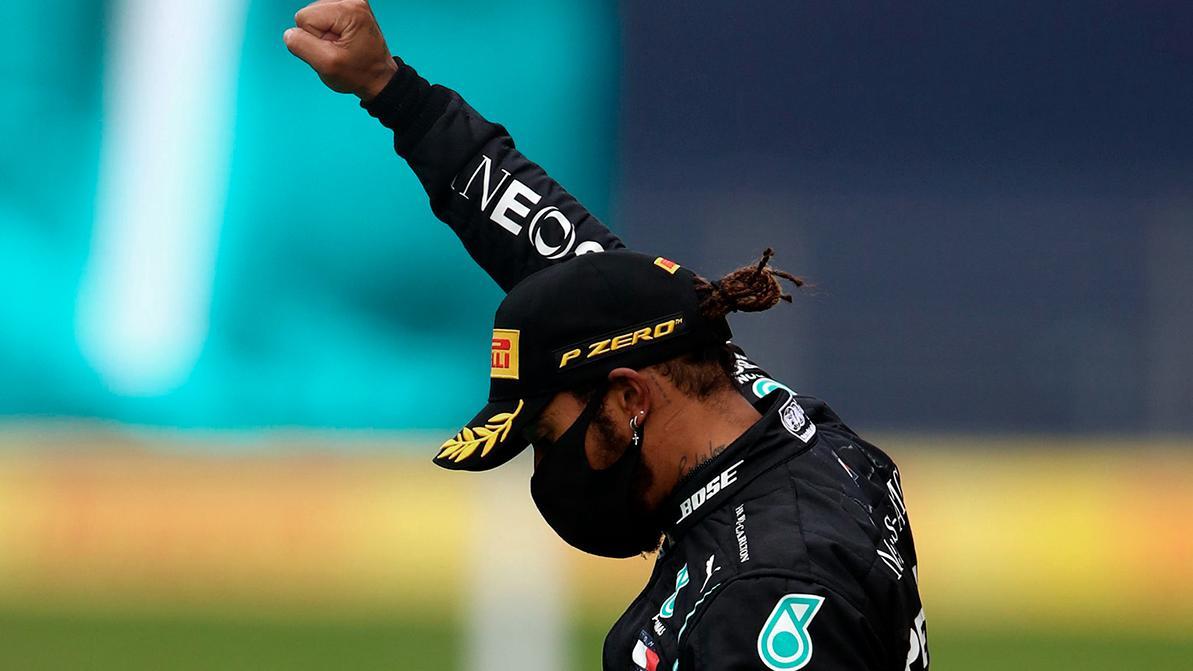 Хэмилтон недоволен борьбой против расовой дискриминации в F1