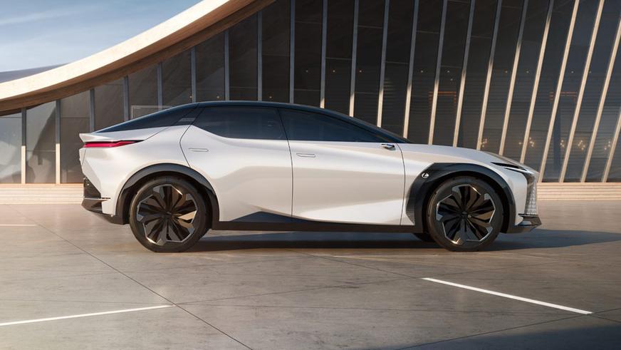 Lexus LF-Z показал ближайшее будущее электромобилей марки