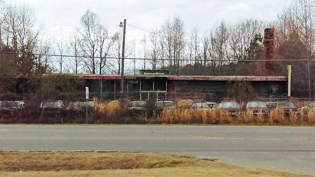 abandoned-dealership-1