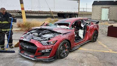 770-сильный Ford Mustang стал жертвой пожарных
