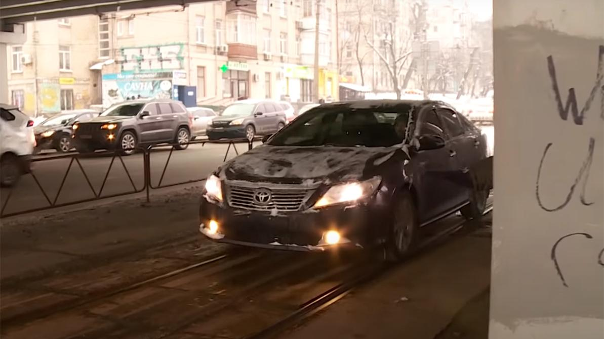 «Останови лося»: МИД РК подтвердило факт нарушения ПДД дипломатом в Киеве