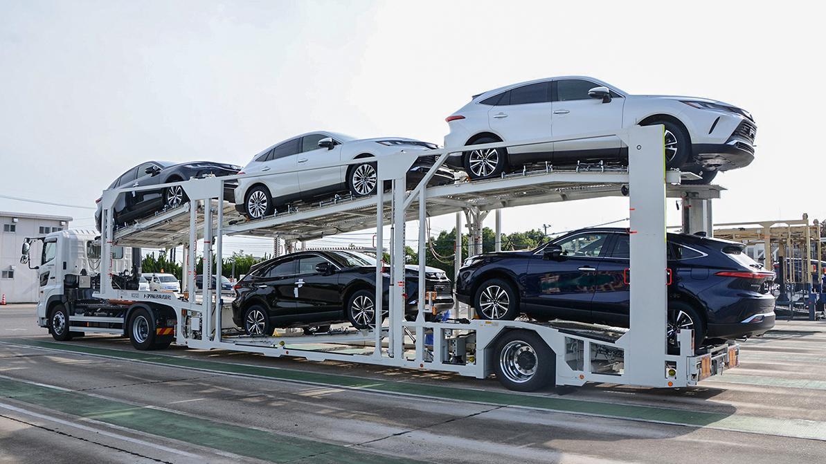 Toyota продала почти 1 млн автомобилей за месяц