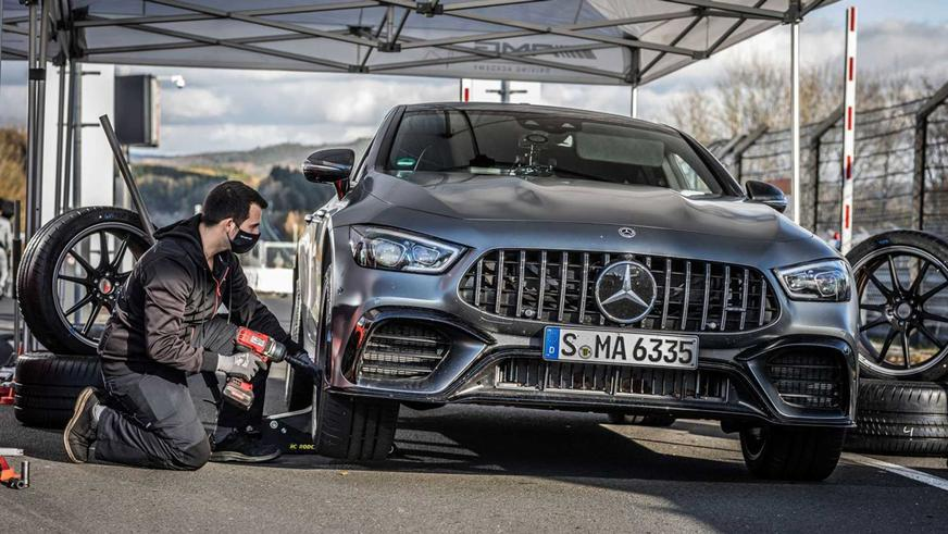 record-mercedes-amg-gt-63-s-coupe-4-portes-2020 (2)