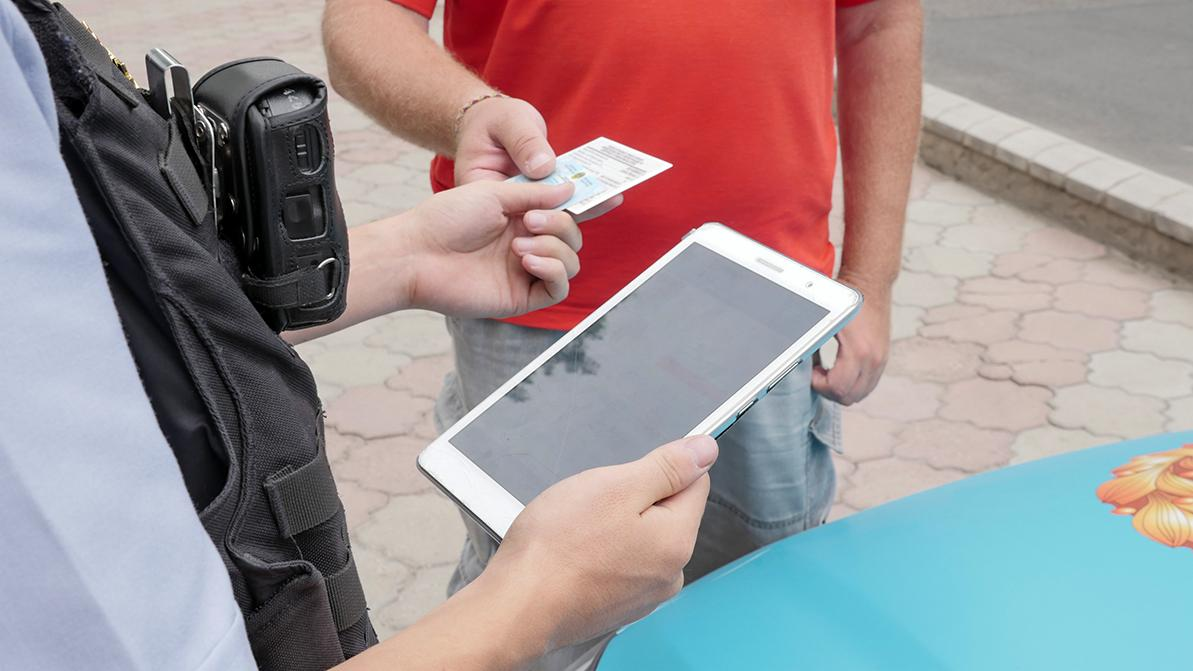 Новые штрафы, поводы для лишения прав и новый порог для скорости добавят в Адмкодекс