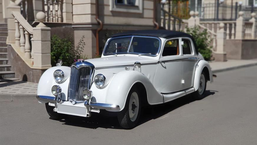 interesting-cars-1Редкие и дорогие праворульки в продаже на Kolesa.kz