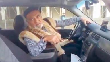«Дерзкого деда» на пикапе лишили водительских прав
