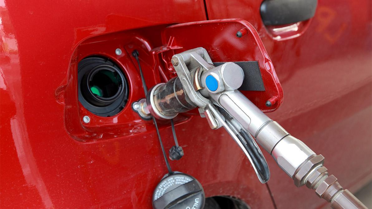 Отменить предельно допустимую цену на газ на заправках хотят в Казахстане