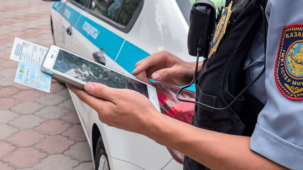 Водителей в РК перестанут наказывать за езду без прав и техпаспорта