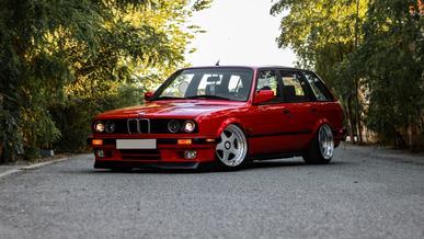 От Ford F-450 до универсала BMW E30: интересные объявления на Kolesa.kz