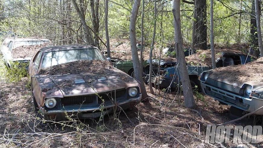 abandoned-dealership-6