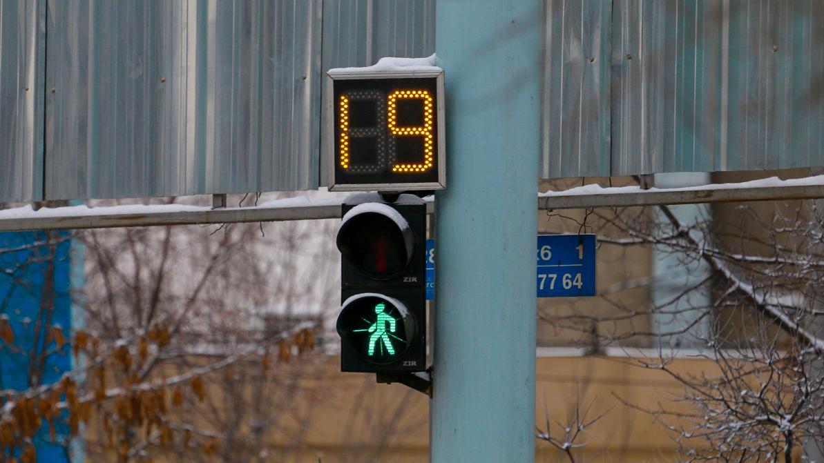 Сорок новых светофоров установят в Алматы