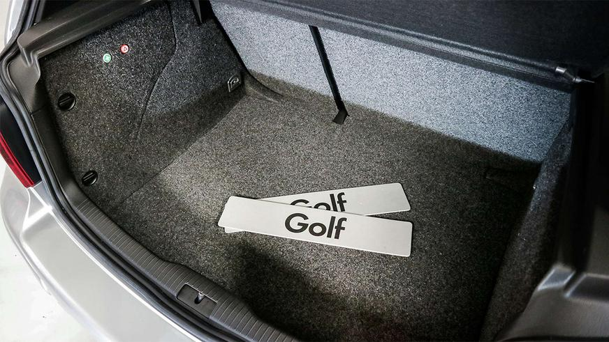 В Англии выставили на продажу VW Golf IV «в масле»