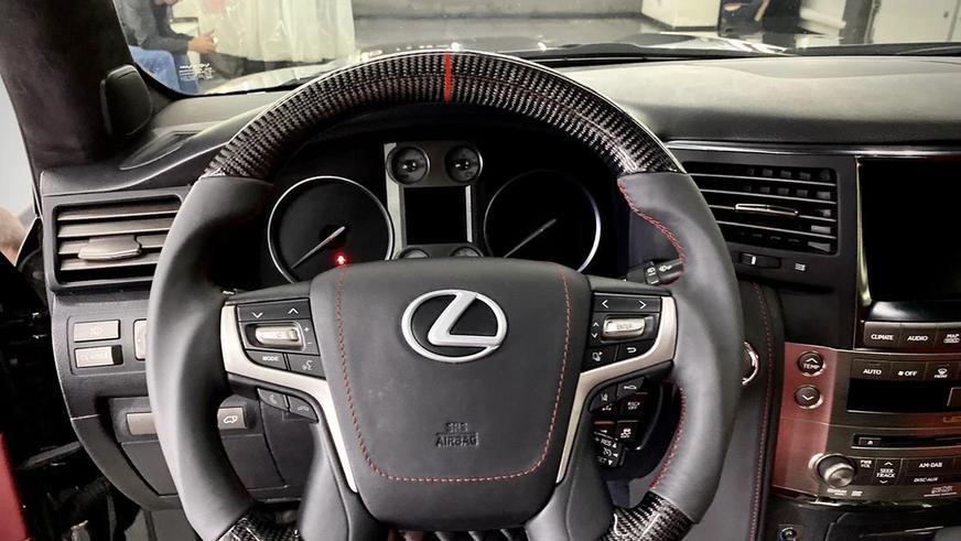Lexus LX 570 превратили в Land Cruiser 200