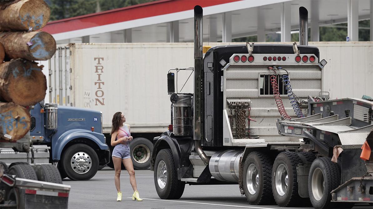 В США обострилась нехватка дальнобойщиков