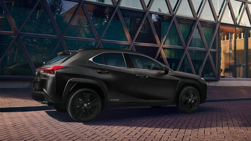 Лимитированная серия Lexus UX Black Line