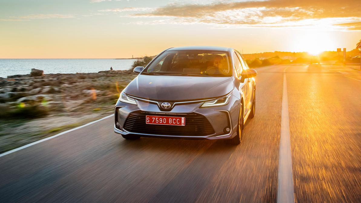 Сразу три Toyota оказались в топ-5 самых продаваемых автомобилей 2020 года