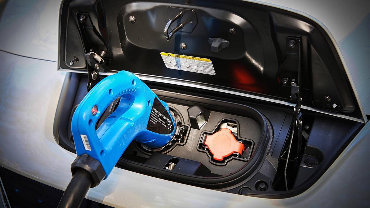 Шесть быстрых зарядок для электромобилей скоро заработают в Алматы