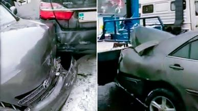 Полицейский эвакуатор в Алматы повредил несколько машин
