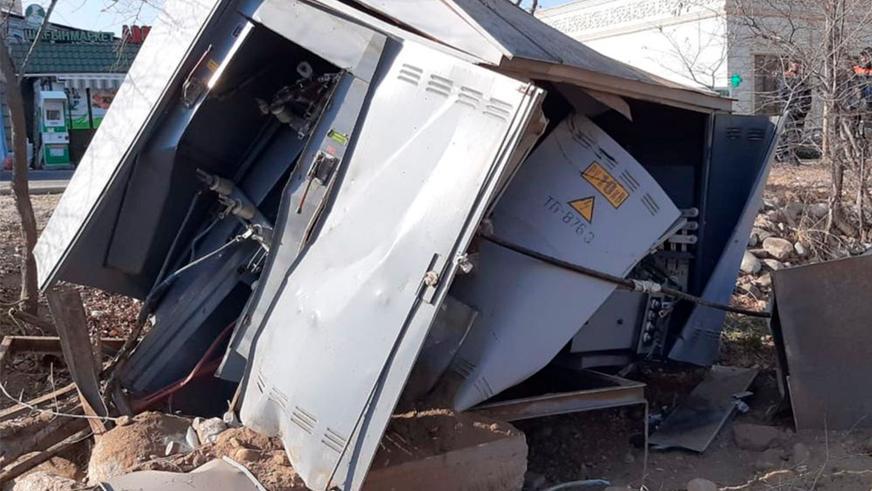 Китайский самосвал с отказавшими тормозами устроил массовое ДТП в Алматы