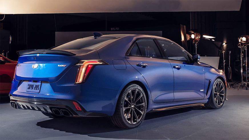 Представлены Cadillac CT4-V и CT5-V серии Blackwing