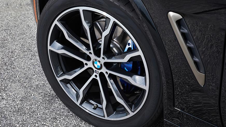 BMW отзовёт около 50 000 машин из-за проблем с тормозами