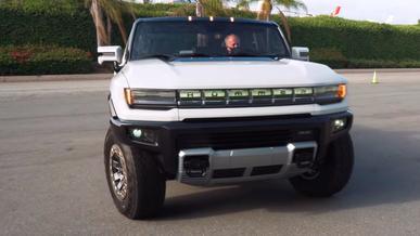 Полноценного Hummer EV не существует в природе