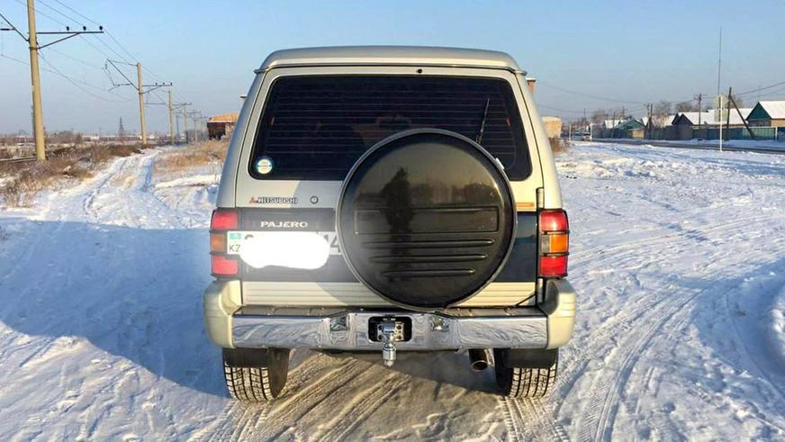 mitsubishi-pajero-1995-1За 25-летний Mitsubishi Pajero просят 6.5 млн тенге