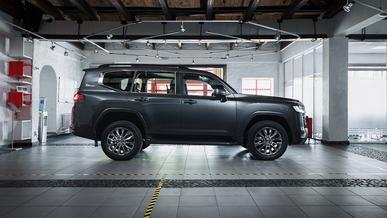 Toyota отдаёт приоритет производству Land Cruiser