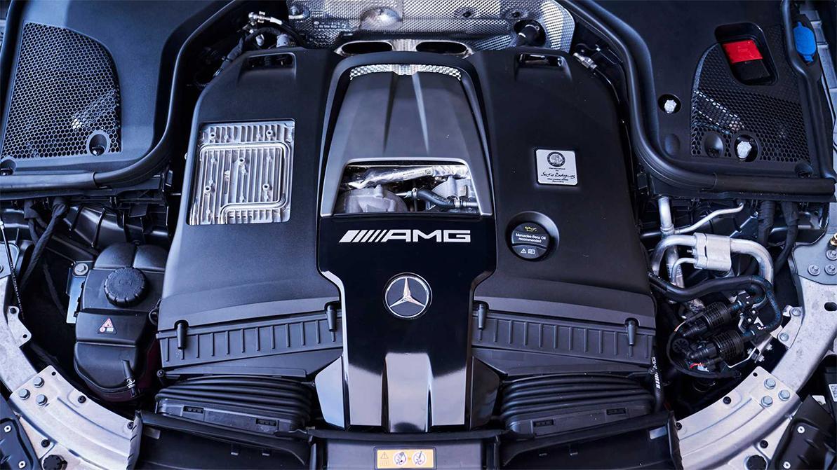Mercedes-Benz ограничил продажу машин с V8 в США