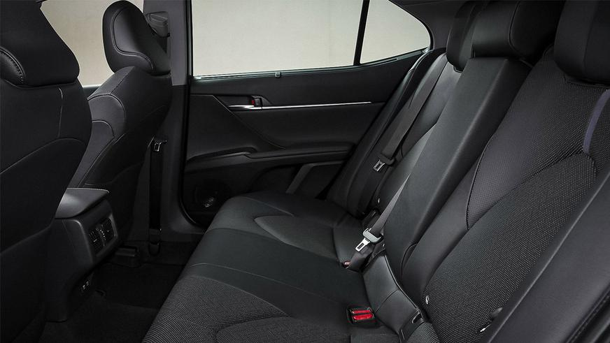 Toyota Camry XV70 слегка обновиласьamry-hybrid-6